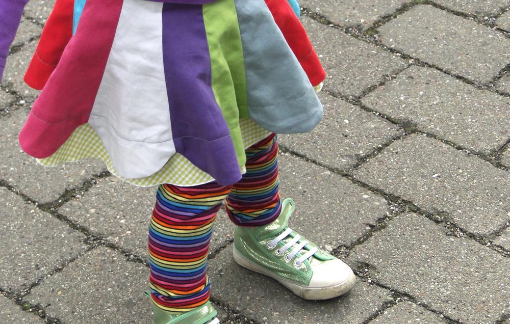 Blumen-Drehrock: Schnittmuster für Mädchen Bahnenrock